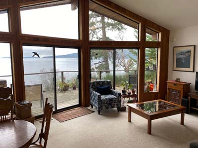 Narrows West Oceanfront Cottage